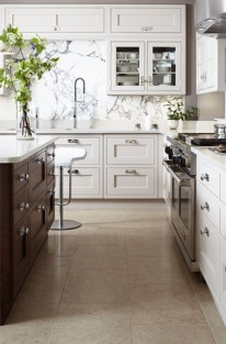 Totally Outstanding Traditional Kitchen Decoration Ideas 120