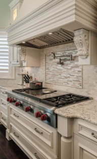 Totally Outstanding Traditional Kitchen Decoration Ideas 122