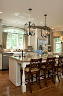Totally Outstanding Traditional Kitchen Decoration Ideas 124