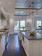 Totally Outstanding Traditional Kitchen Decoration Ideas 138