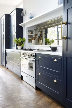 Totally Outstanding Traditional Kitchen Decoration Ideas 143