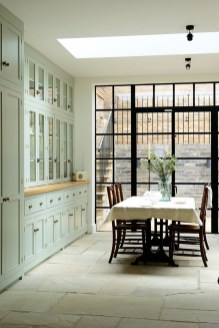 Totally Outstanding Traditional Kitchen Decoration Ideas 145