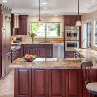 Totally Outstanding Traditional Kitchen Decoration Ideas 51