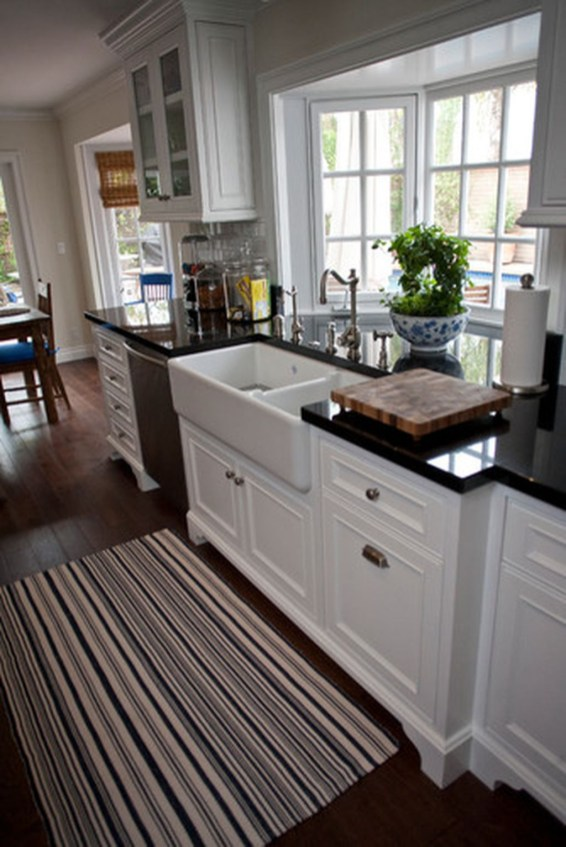 Totally Outstanding Traditional Kitchen Decoration Ideas 94