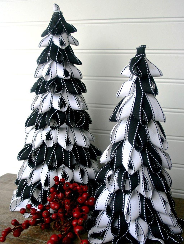 Unique And Unusual Black Christmas Tree Decoration Ideas 14