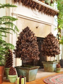 36 Brilliant Ideas How To Use Pinecone For Indoor Christmas Decoration 22