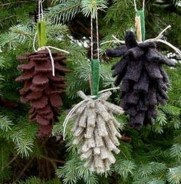 36 Brilliant Ideas How To Use Pinecone For Indoor Christmas Decoration 25