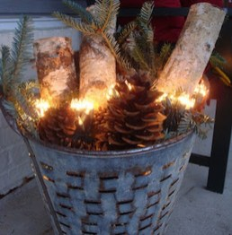 36 Brilliant Ideas How To Use Pinecone For Indoor Christmas Decoration 26