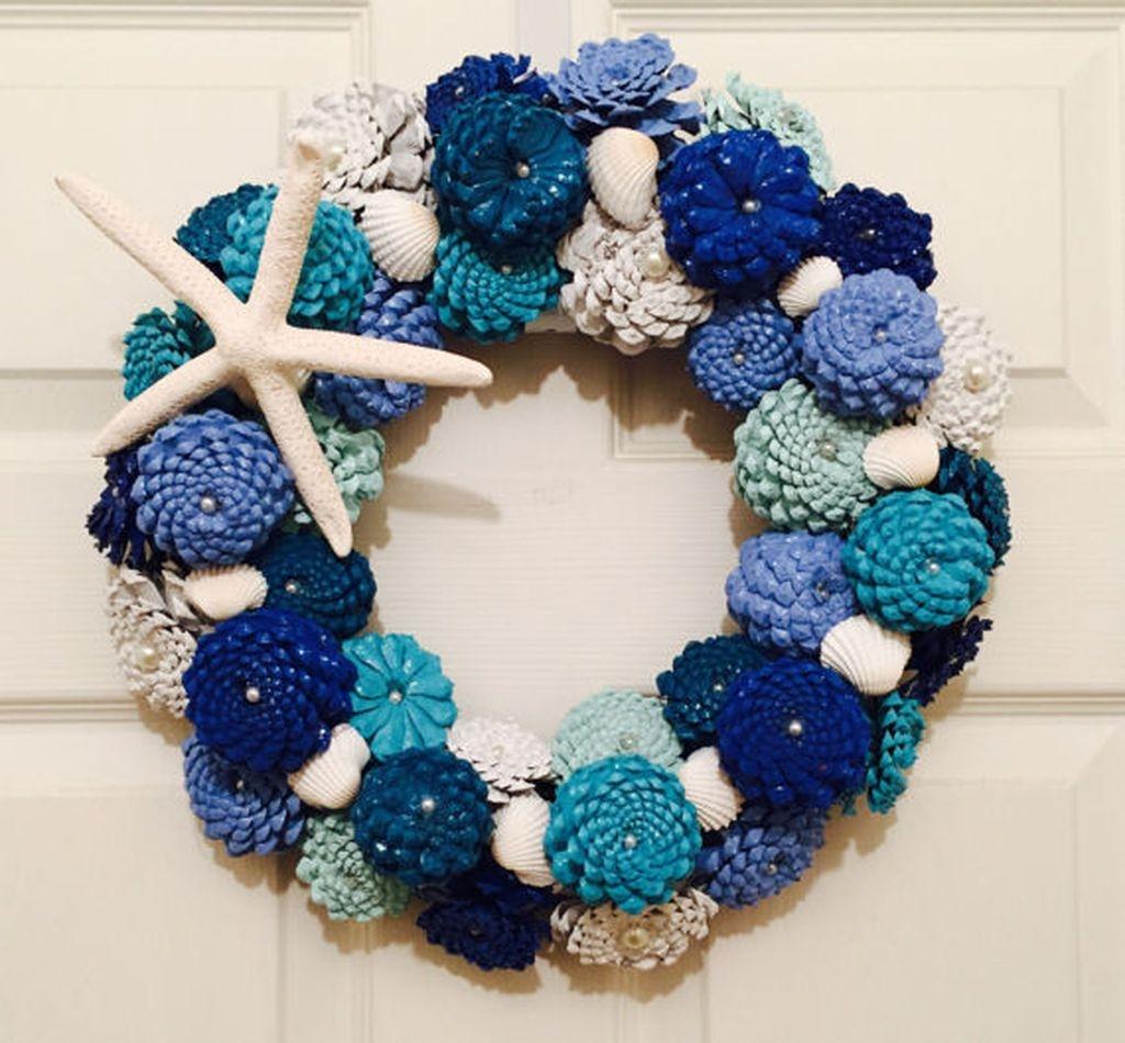 37 Relaxed Beach Themed Christmas Decoration Ideas 02