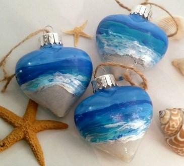 37 Relaxed Beach Themed Christmas Decoration Ideas 09