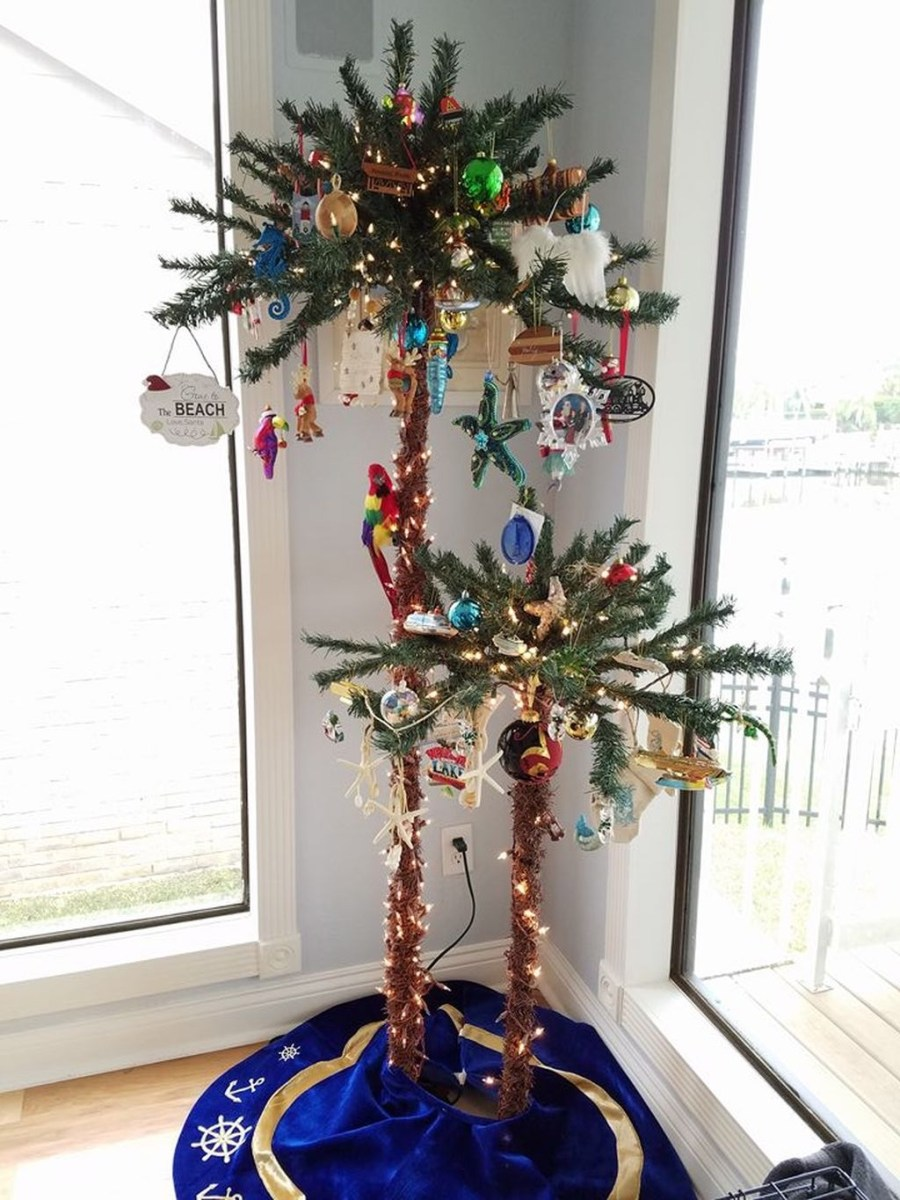 37 Relaxed Beach Themed Christmas Decoration Ideas 24