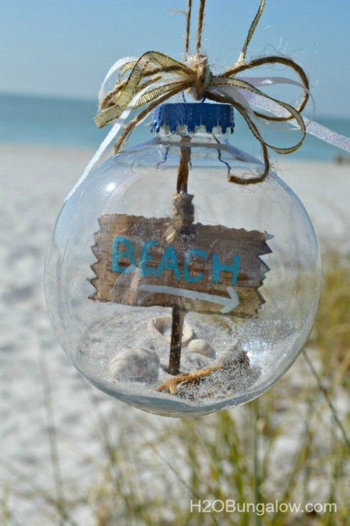 37 Relaxed Beach Themed Christmas Decoration Ideas 36