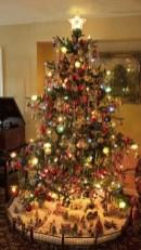 37 Totally Beautiful Vintage Christmas Tree Decoration Ideas 11