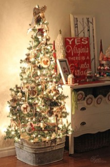 37 Totally Beautiful Vintage Christmas Tree Decoration Ideas 12