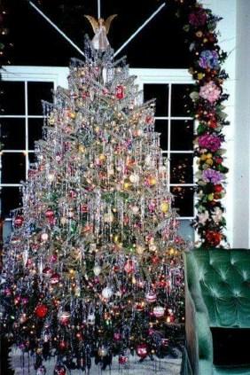 37 Totally Beautiful Vintage Christmas Tree Decoration Ideas 24