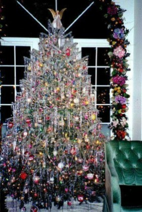 37 Totally Beautiful Vintage Christmas Tree Decoration Ideas 24
