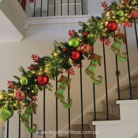 38 Cool And Fun Christmas Stairs Decoration Ideas 11