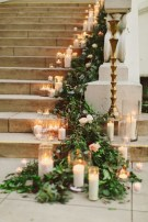 38 Cool And Fun Christmas Stairs Decoration Ideas 16