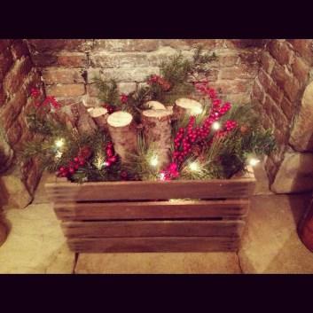 38 Stunning Christmas Front Door Decoration Ideas 09