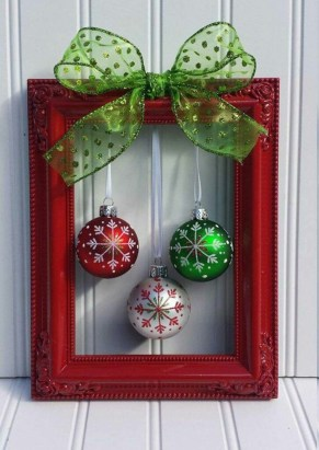 38 Stunning Christmas Front Door Decoration Ideas 17