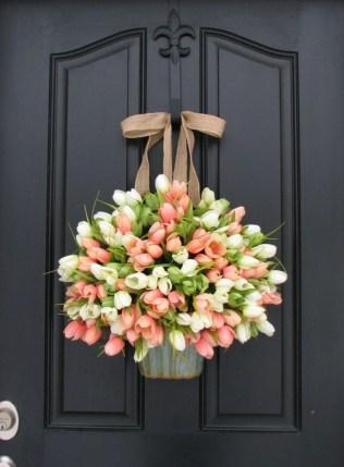 38 Stunning Christmas Front Door Decoration Ideas 25