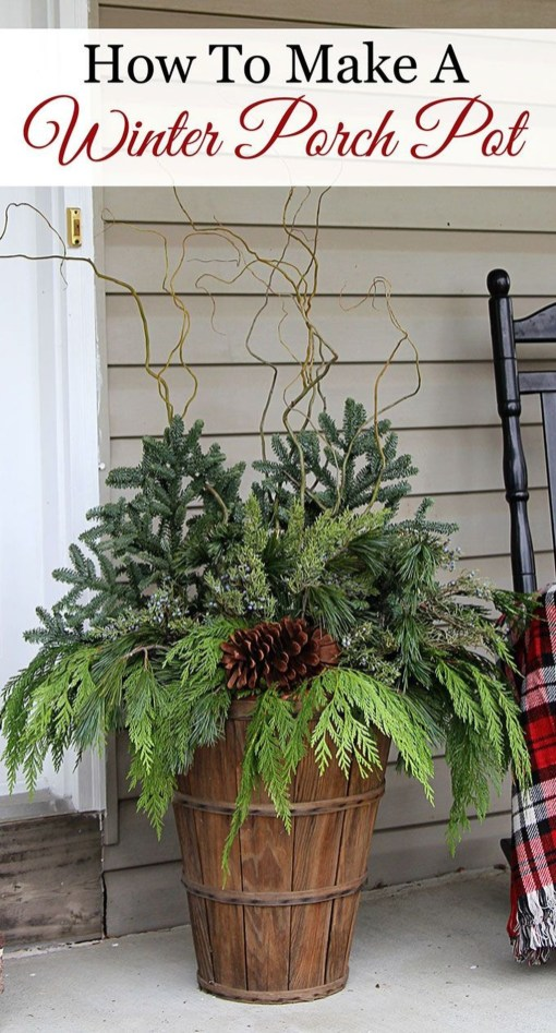 38 Stunning Christmas Front Door Decoration Ideas 37