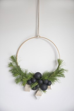 40 Amazing Ideas How To Use Jingle Bells For Christmas Decoration 19