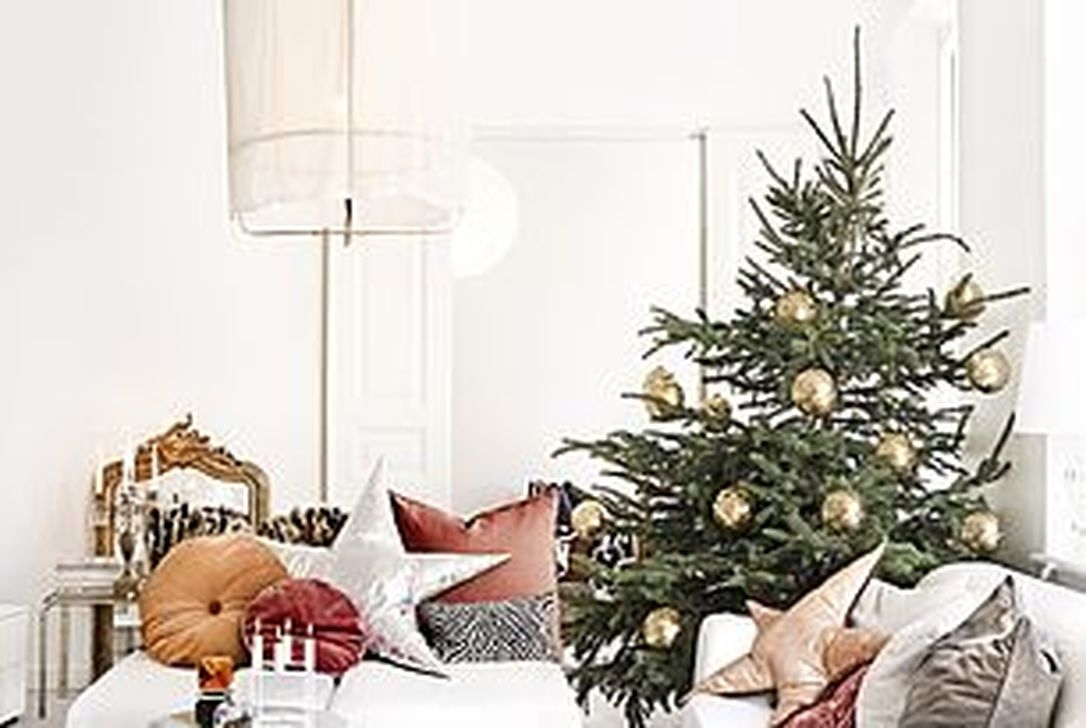 40 Amazing Ideas How To Use Jingle Bells For Christmas Decoration 33