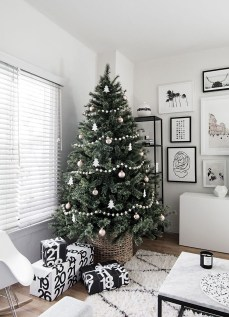 40 Awesome Scandinavian Christmas Decoration Ideas 01