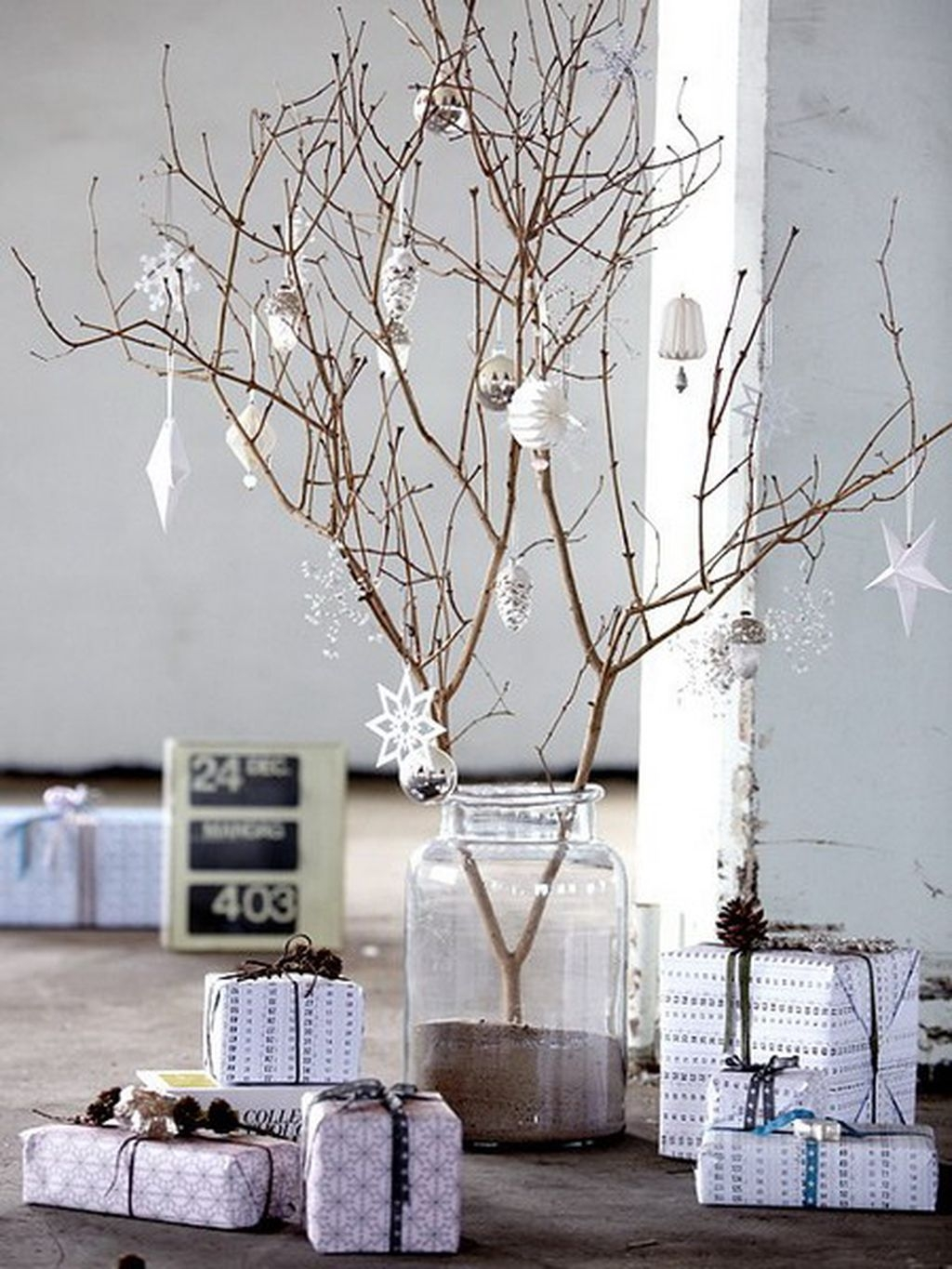 40 Awesome Scandinavian Christmas Decoration Ideas 20