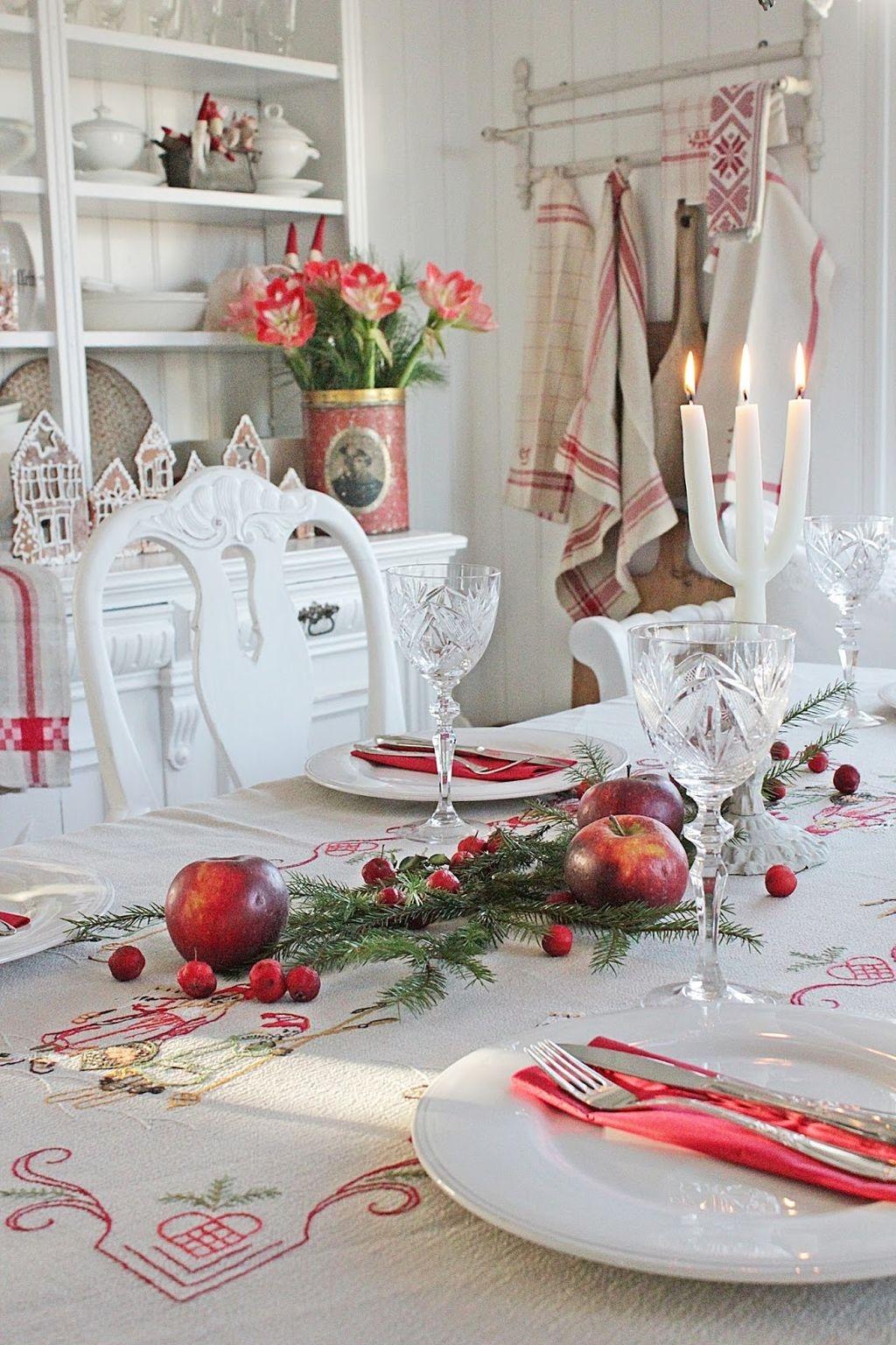 40 Awesome Scandinavian Christmas Decoration Ideas 32