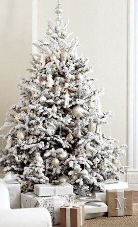 40 Ezciting Silver And White Christmas Tree Decoration Ideas 26