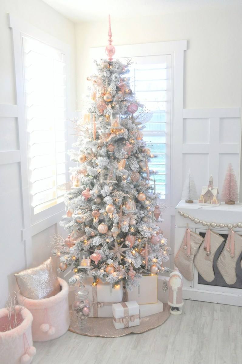 40 Ezciting Silver And White Christmas Tree Decoration Ideas 29