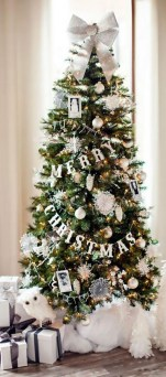 40 Ezciting Silver And White Christmas Tree Decoration Ideas 32