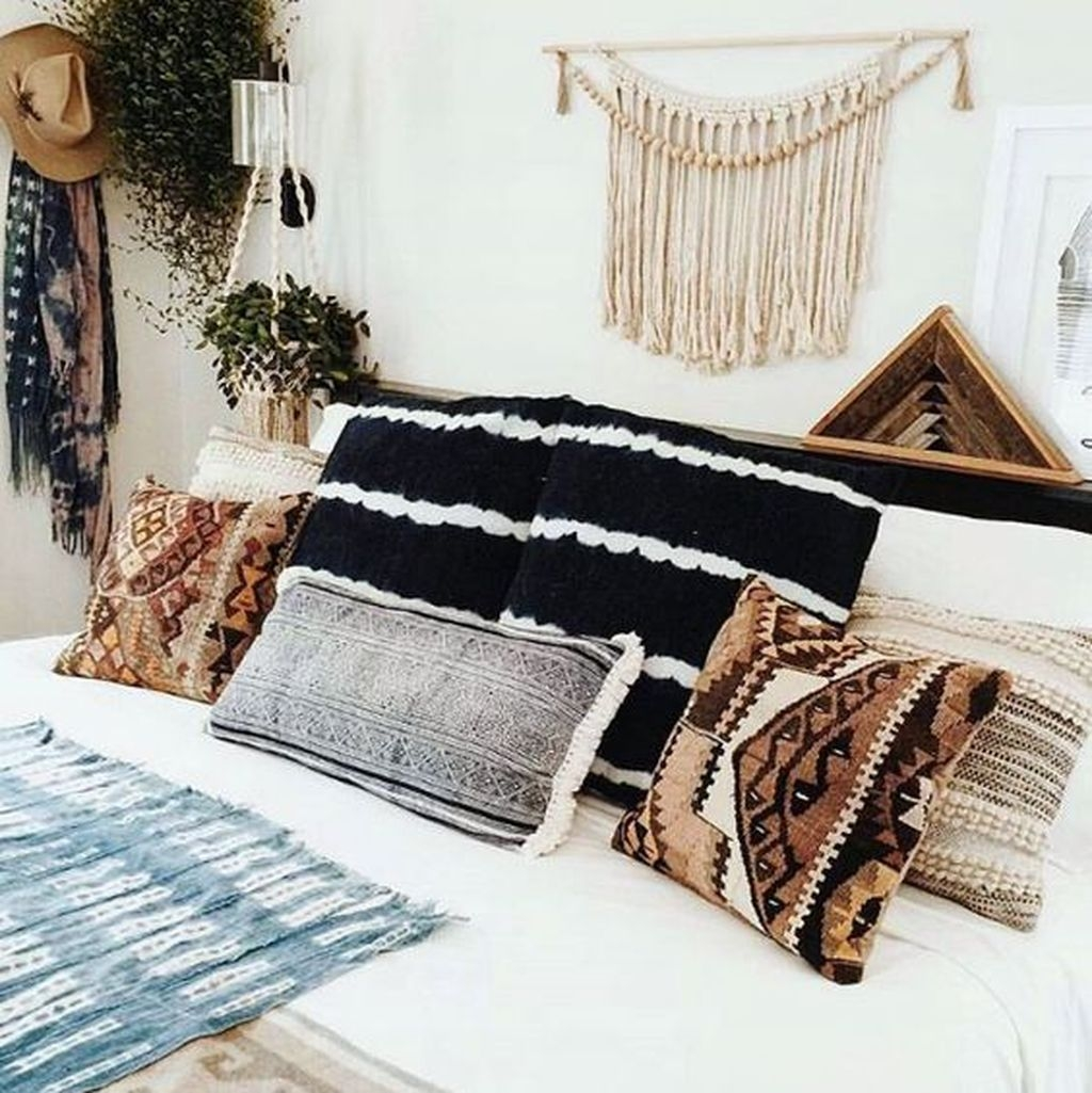 40 Unique Bohemian Bedroom Decoration Ideas 28