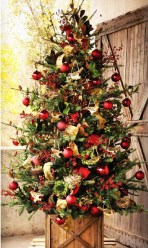 Beautiful Rustic Outdoor Christmas Decoration Ideas 02