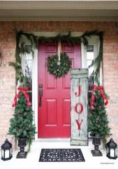 Beautiful Rustic Outdoor Christmas Decoration Ideas 17