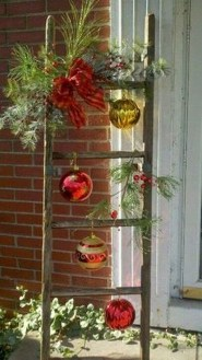 Beautiful Rustic Outdoor Christmas Decoration Ideas 19