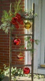 Beautiful Rustic Outdoor Christmas Decoration Ideas 19