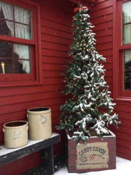 Beautiful Rustic Outdoor Christmas Decoration Ideas 46