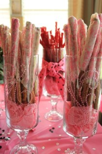 Cheap And Easy Christmas Centerpieces Ideas 12
