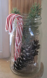 Cheap And Easy Christmas Centerpieces Ideas 31