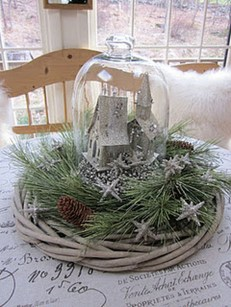 Cheap And Easy Christmas Centerpieces Ideas 36