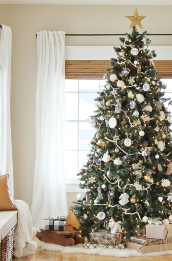 Cozy Christmas House Decoration 02