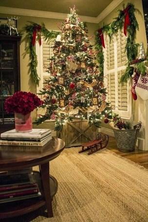 Cozy Christmas House Decoration 32