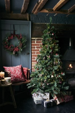 Cozy Christmas House Decoration 34