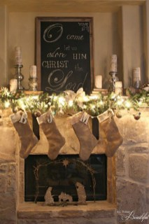 Elegant Rustic Christmas Decoration Ideas That Stands Out 03