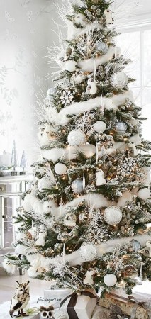 Elegant Rustic Christmas Decoration Ideas That Stands Out 06
