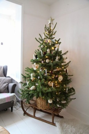 Elegant Rustic Christmas Decoration Ideas That Stands Out 09