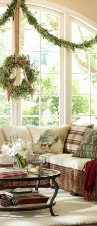 Elegant Rustic Christmas Decoration Ideas That Stands Out 27